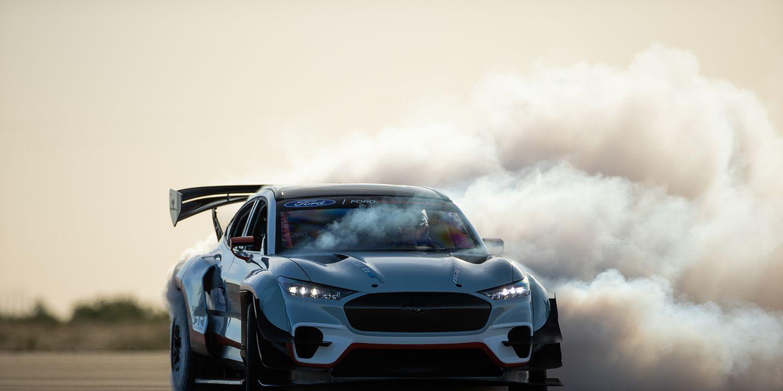 un-nouveau-prototype-de-course-ford-mustang-mach-e