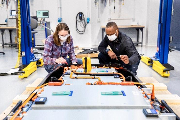ford-accelere-la-rd-sur-les-batteries-avec-une-equipe-dediee-et-un-nouveau-centre-dexcellence-mondial-baptise-ford-ion-park