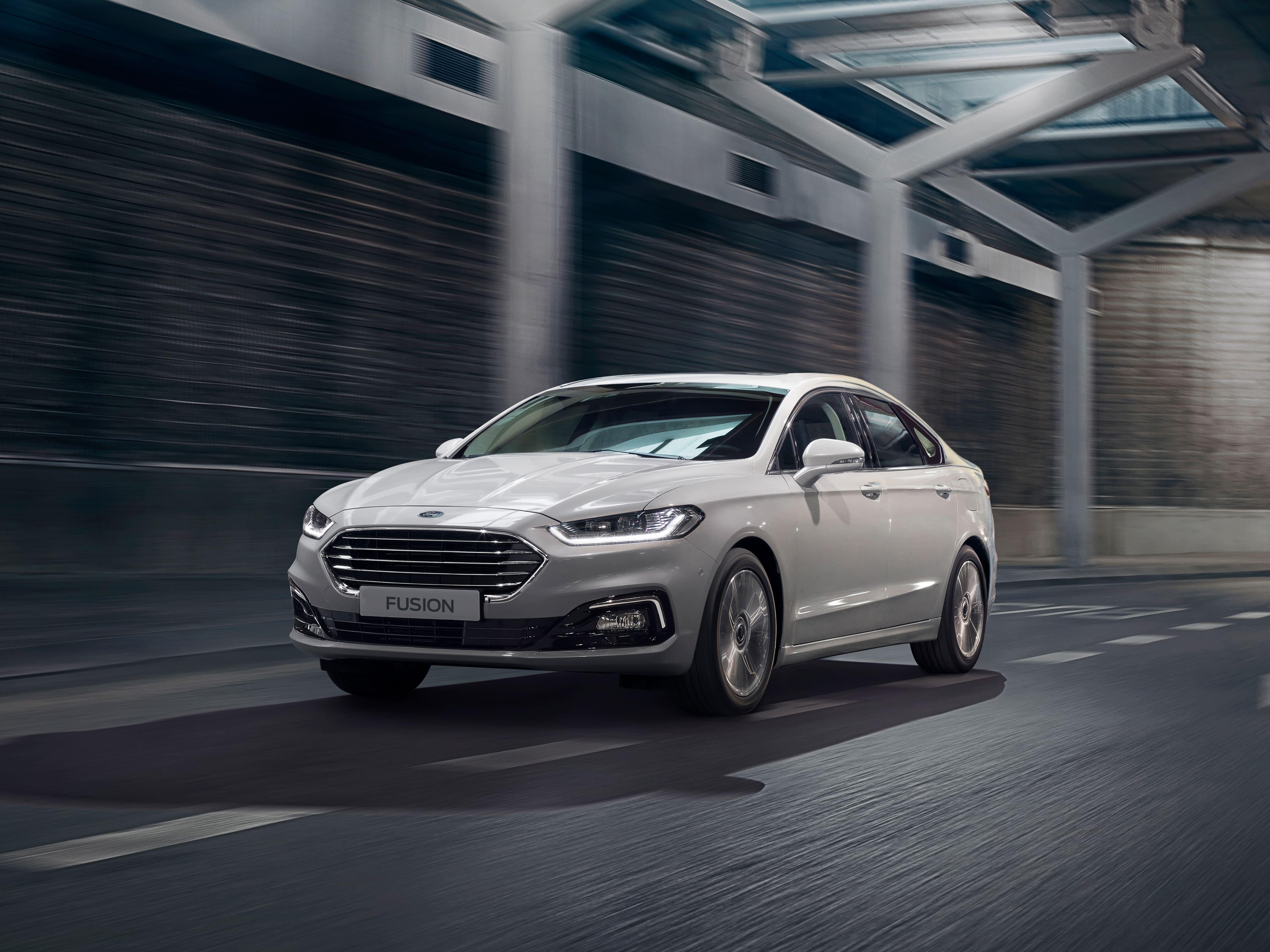 ford-fusion-2021-la-berline-familiale-re-stylee-offre-luxe-technologie-et-une-nouvelle-silhouette-elegante-et-moderne