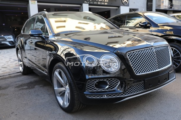 BENTLEY Bentayga V6 hybride مستعملة