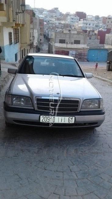 Voiture au Maroc 220 - 233058