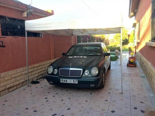 Mercedes-classe-e-528156.jpg occasion-19163