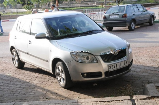 skoda fabia 2009 diesel 97379 occasion azrou maroc. Black Bedroom Furniture Sets. Home Design Ideas