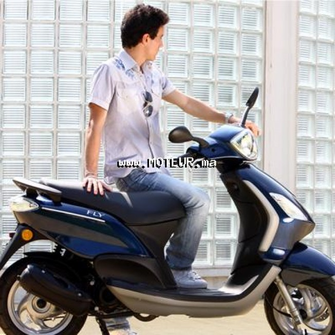 piaggio fly 50 piaggio fly 50 2t 2014 occasion 130784 casablanca maroc. Black Bedroom Furniture Sets. Home Design Ideas