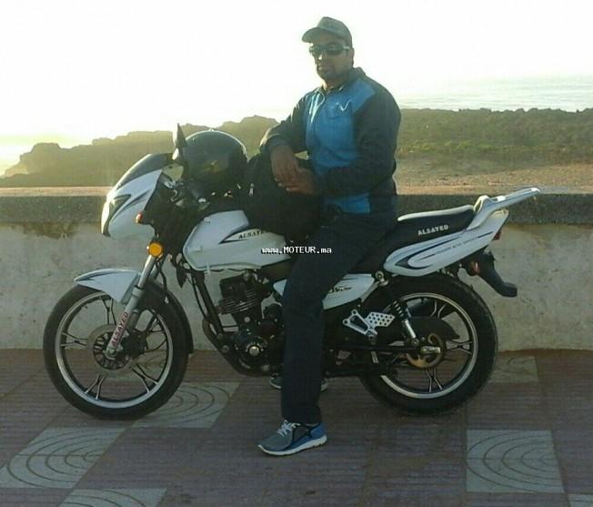 Moto au Maroc BENELLI 125 2 c Cc125 - 132292