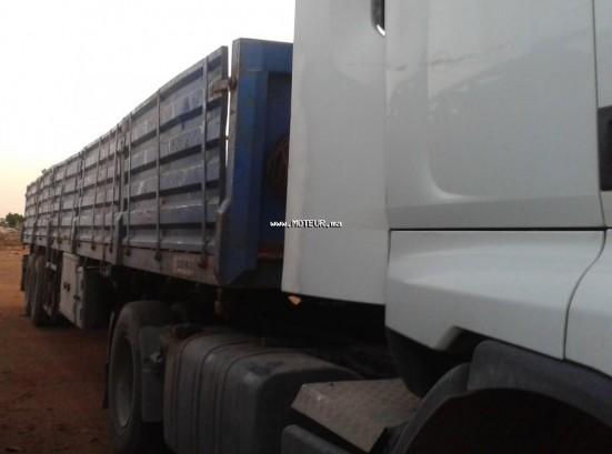 شاحنة في المغرب رونو ماجنوم premium 440 dxi - 123109