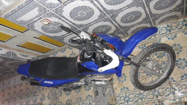 دراجة نارية في المغرب هوندا بروس Jd20 - 134000