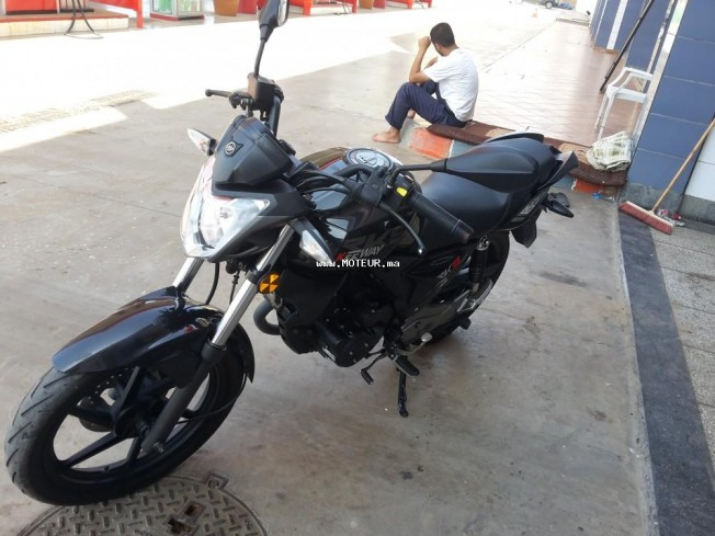 Moto au Maroc KEEWAY Rkv 125 r - 131932