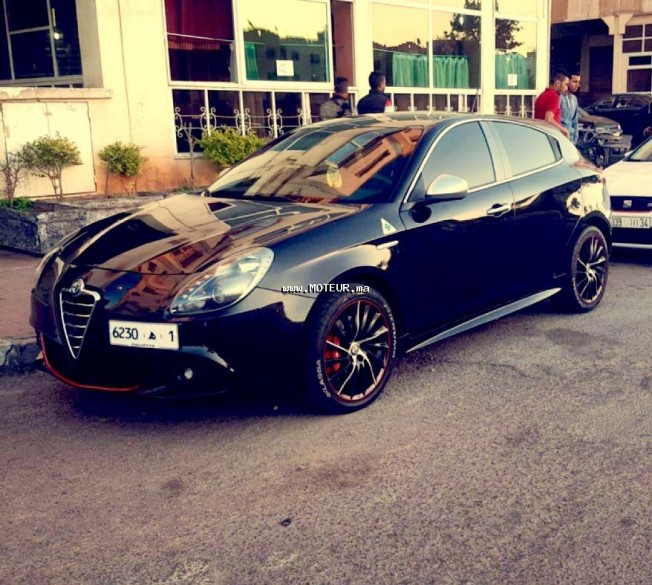alfa romeo giulietta pack quadrifolio verde 2011 diesel 105796 occasion casablanca maroc. Black Bedroom Furniture Sets. Home Design Ideas