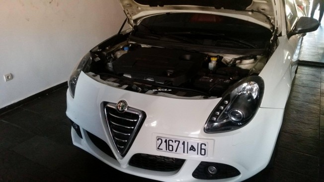 alfa romeo giulietta 2014 diesel 116712 occasion kenitra maroc. Black Bedroom Furniture Sets. Home Design Ideas