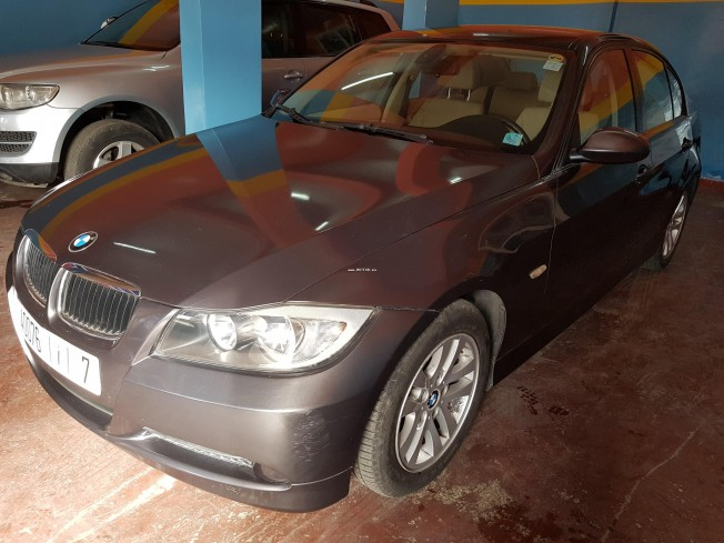 bmw serie 3 320i 2007 essence 113573 occasion casablanca maroc. Black Bedroom Furniture Sets. Home Design Ideas