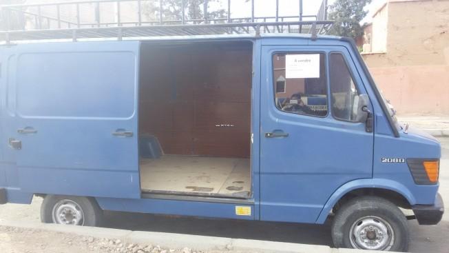 سيارة في المغرب MERCEDES 208 - 114954