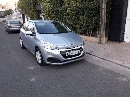 PEUGEOT 208 1.6 hdi occasion 665643
