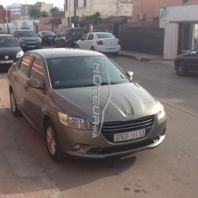 PEUGEOT 301 occasion 559738