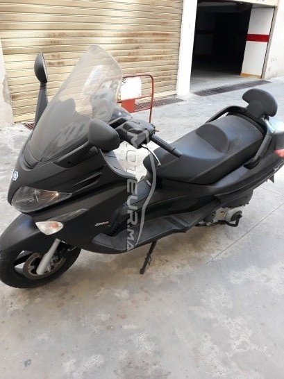 Moto au Maroc PIAGGIO X evo - 261416