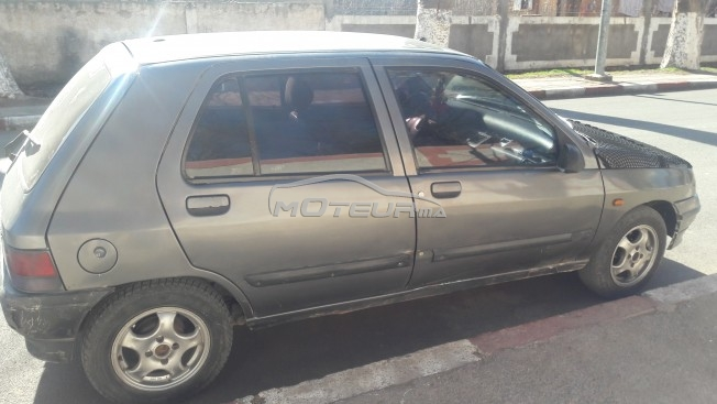 renault clio occasion diesel jusqu 39 2000 maroc annonces voitures. Black Bedroom Furniture Sets. Home Design Ideas