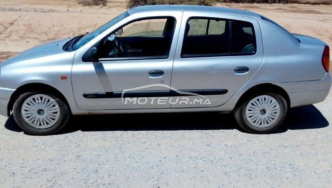 Voiture Renault Clio 2001 à oulad-teïma  Essence  - 8 chevaux