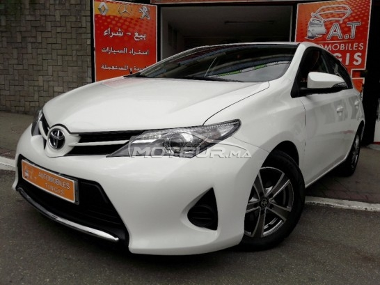 TOYOTA Auris 1.4 d-4d silver+ toutes options مستعملة