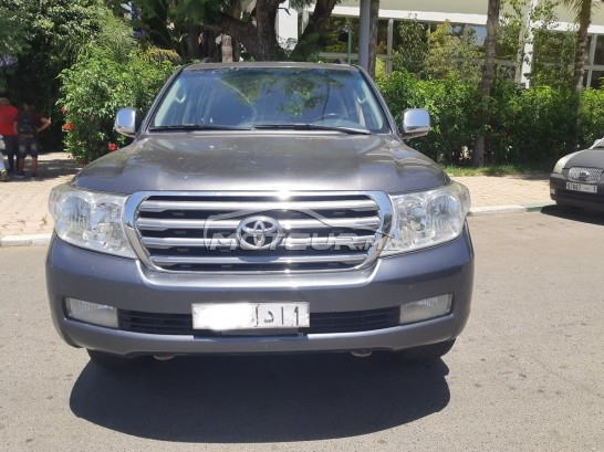 TOYOTA Land cruiser Vx v6 مستعملة