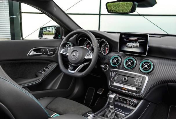 Mercedes classe a 180 d sport neuve au maroc for Interieur sport youtube