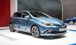 toyota auris Lounge
