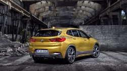 bmw x2 sDrive 18d Pack m