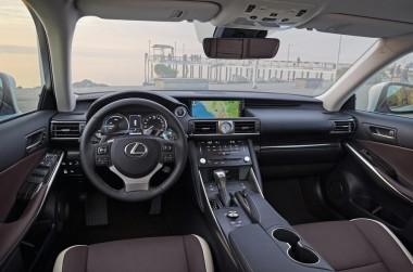 lexus is 300 H 2WD HV ELEGANCE